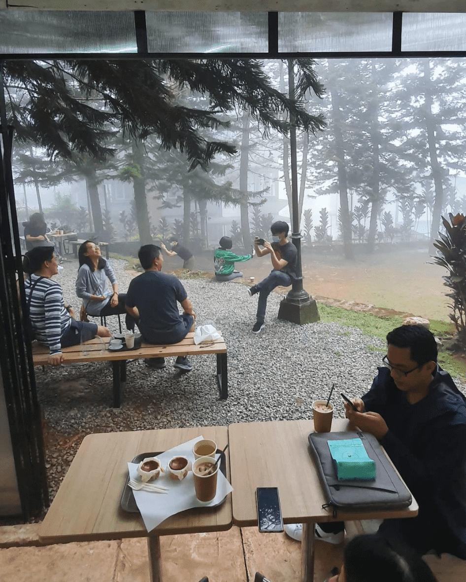 Hot Cat Coffee in Baguio City