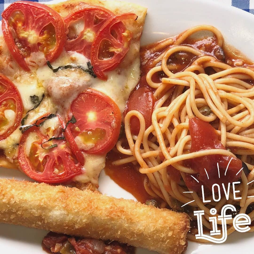 pizza and spaghetti meal